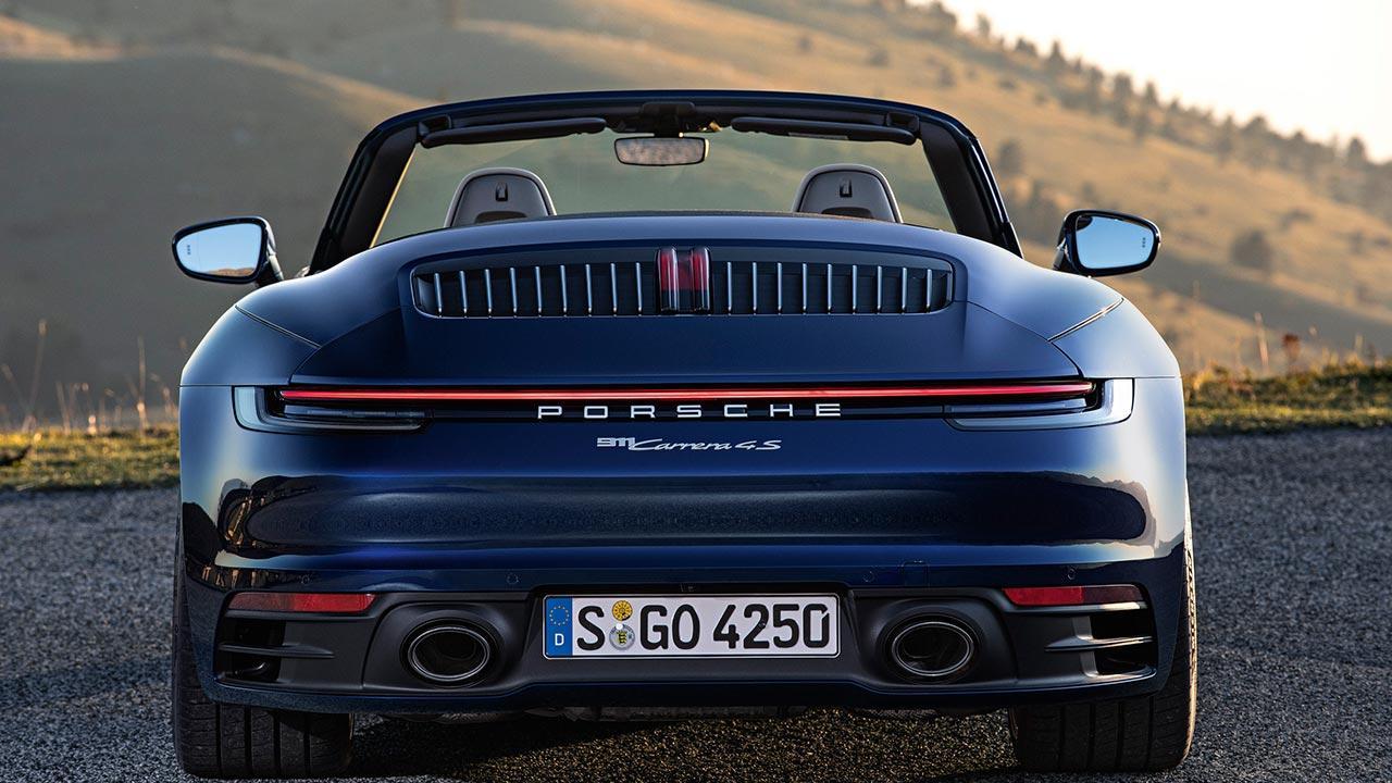 Porsche 911 Carrera Cabriolet (992) - Heckansicht
