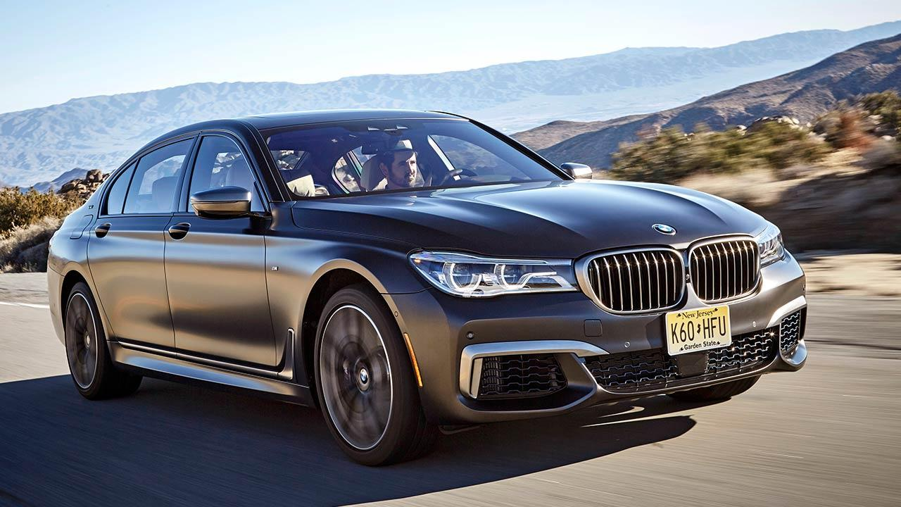 BMW M760 (2019) - in voller Fahrt
