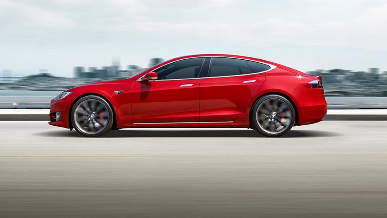 Tesla Model S - Seitenansicht
