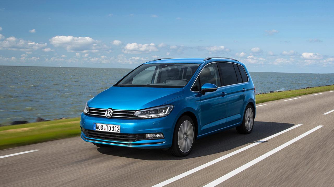 Volkswagen Touran - in voller Fahrt