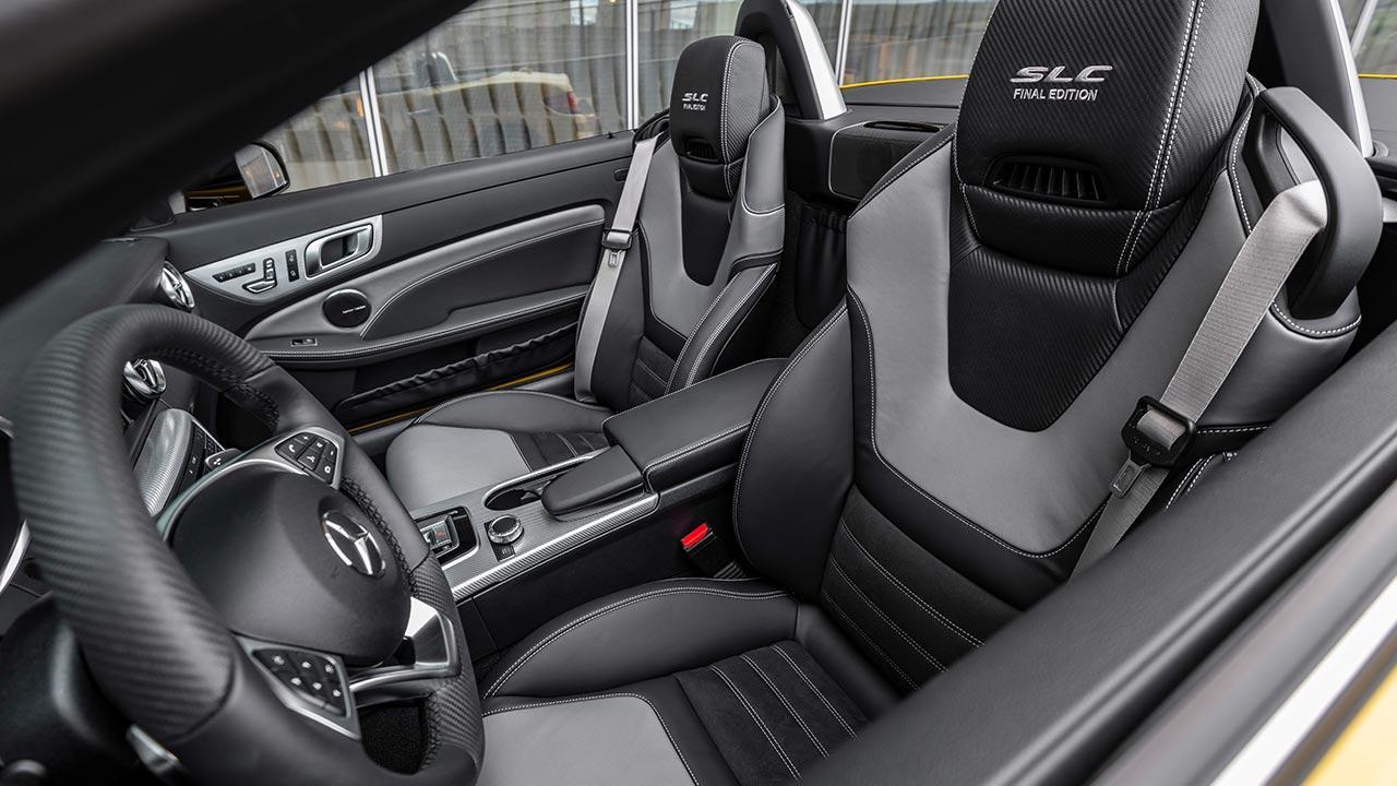 Mercedes-AMG SLC 43 Final Edition - Cockpit