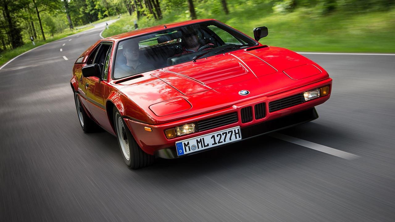 BMW M1 - in voller Fahrt