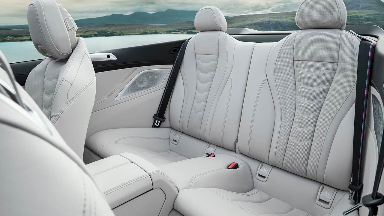 BMW M850i xDrive Cabriolet - Rücksitze