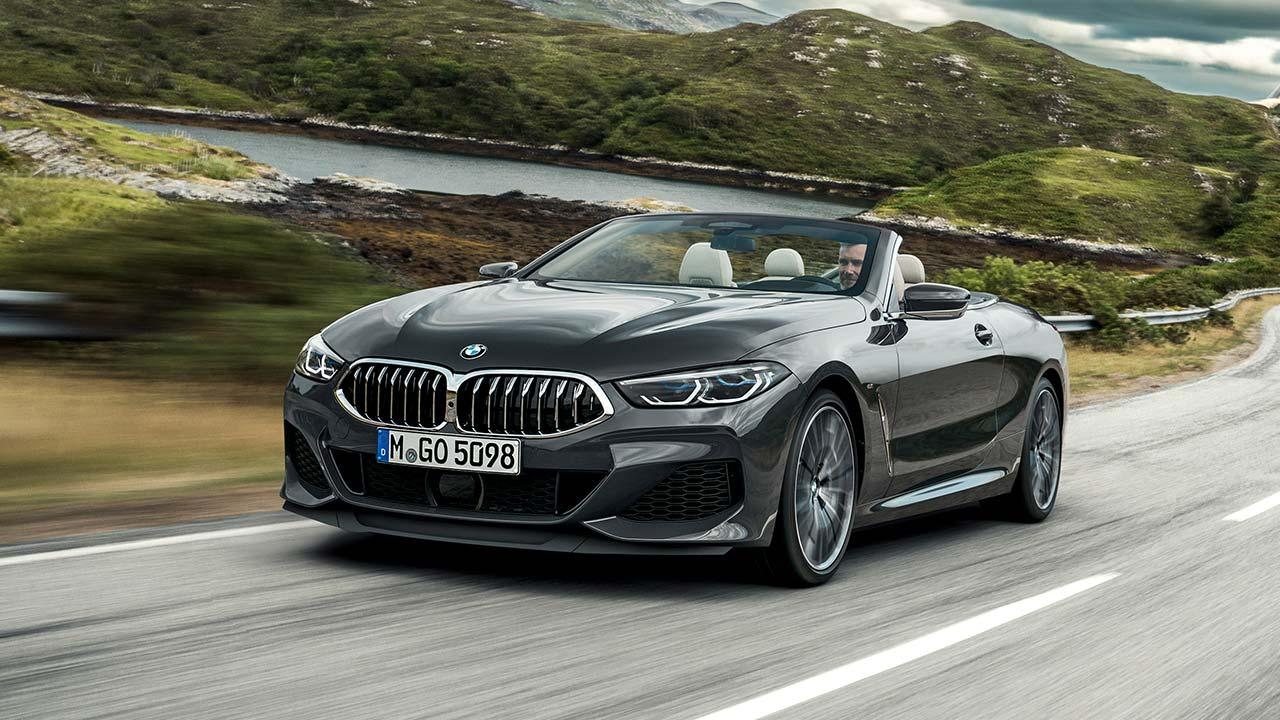 BMW M850i xDrive Cabriolet - in voller Fahrt
