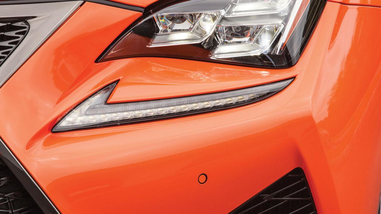 Lexus RC F - Scheinwerfer