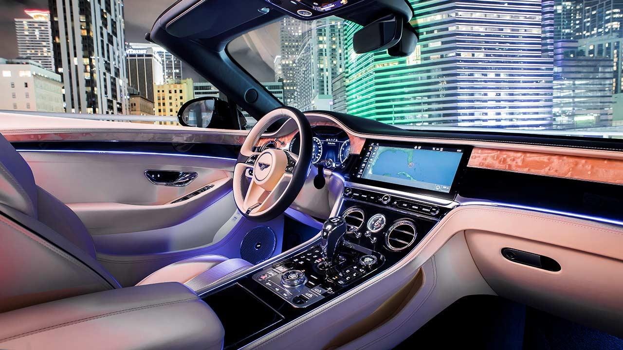 Bentley NEW Continental GT Convertible - Cockpit