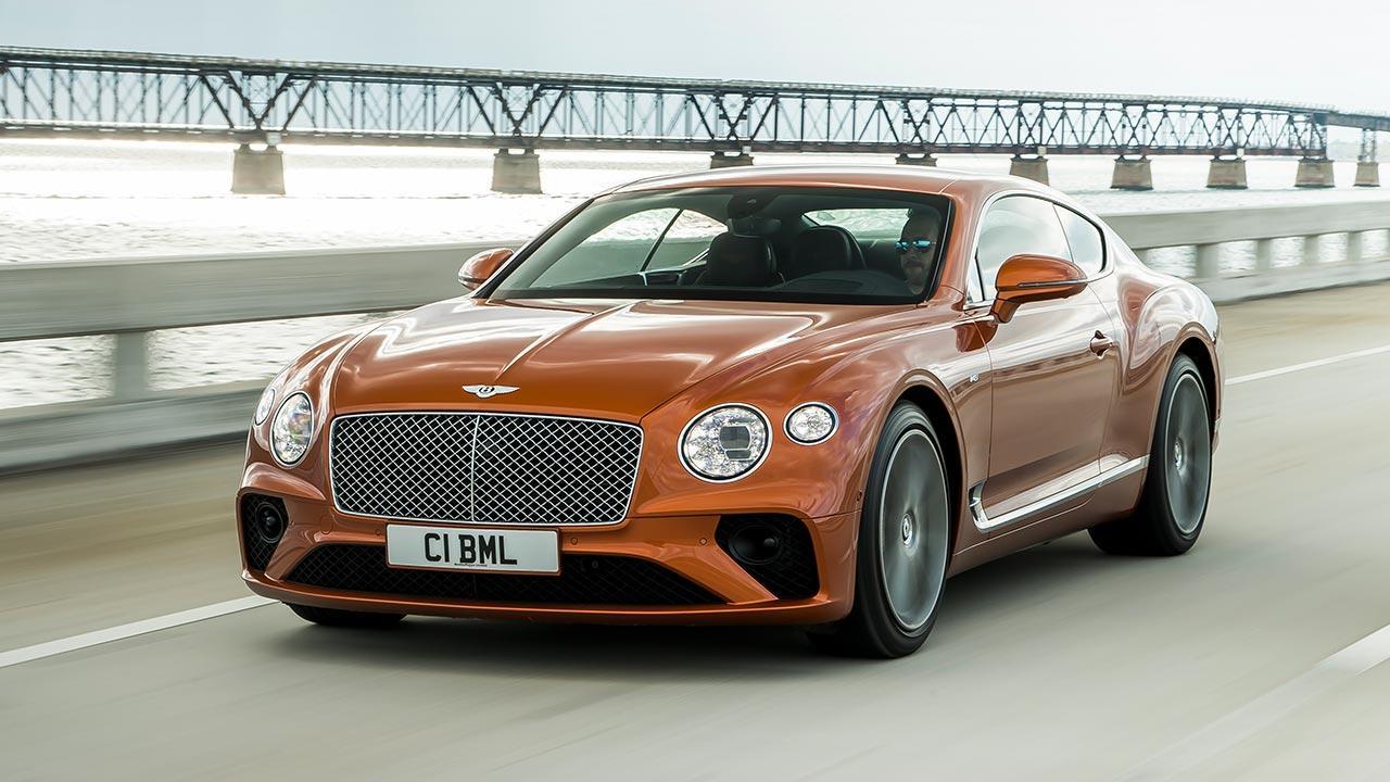 Bentley NEW Continental GT V8 - in voller Fahrt