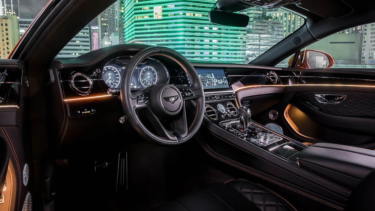 Bentley NEW Continental GT V8 - Cockpit