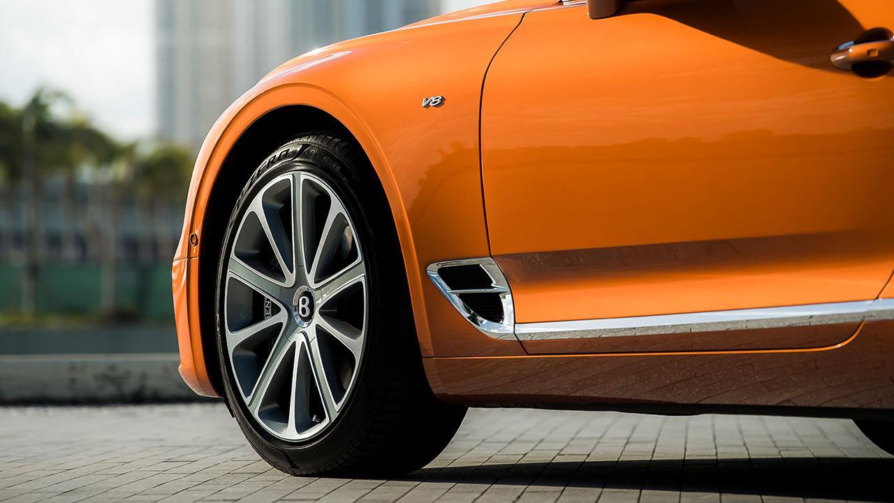 Bentley NEW Continental GT V8 - Vorderreifen
