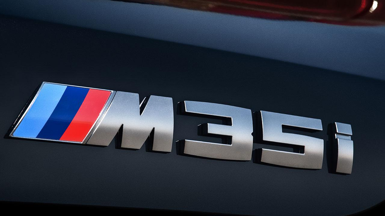 BMW X2 M35i - Schriftzug