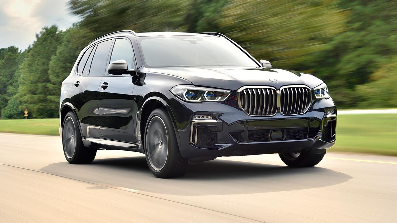 BMW X5 M50d - in voller Fahrt