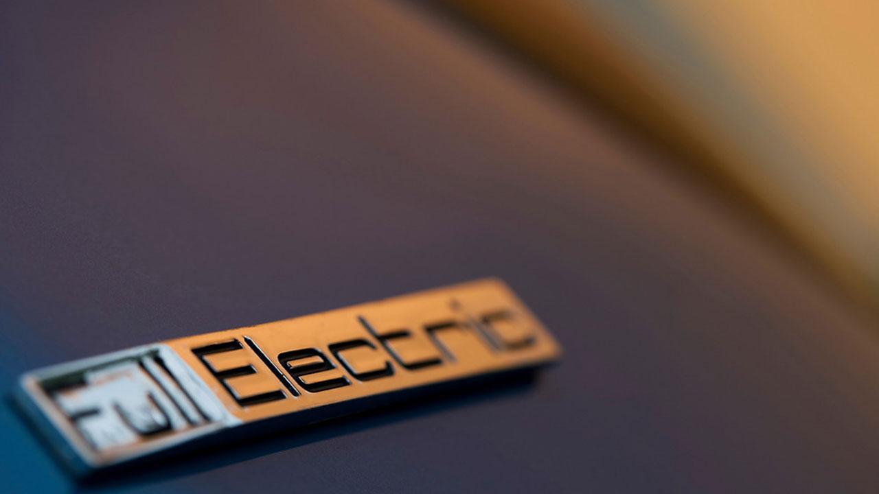 Peugeot iON - Schriftzug