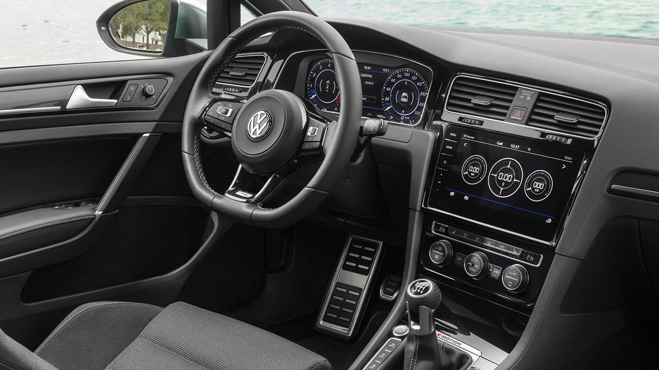 Volkswagen Golf VII R Variant - Cockpit