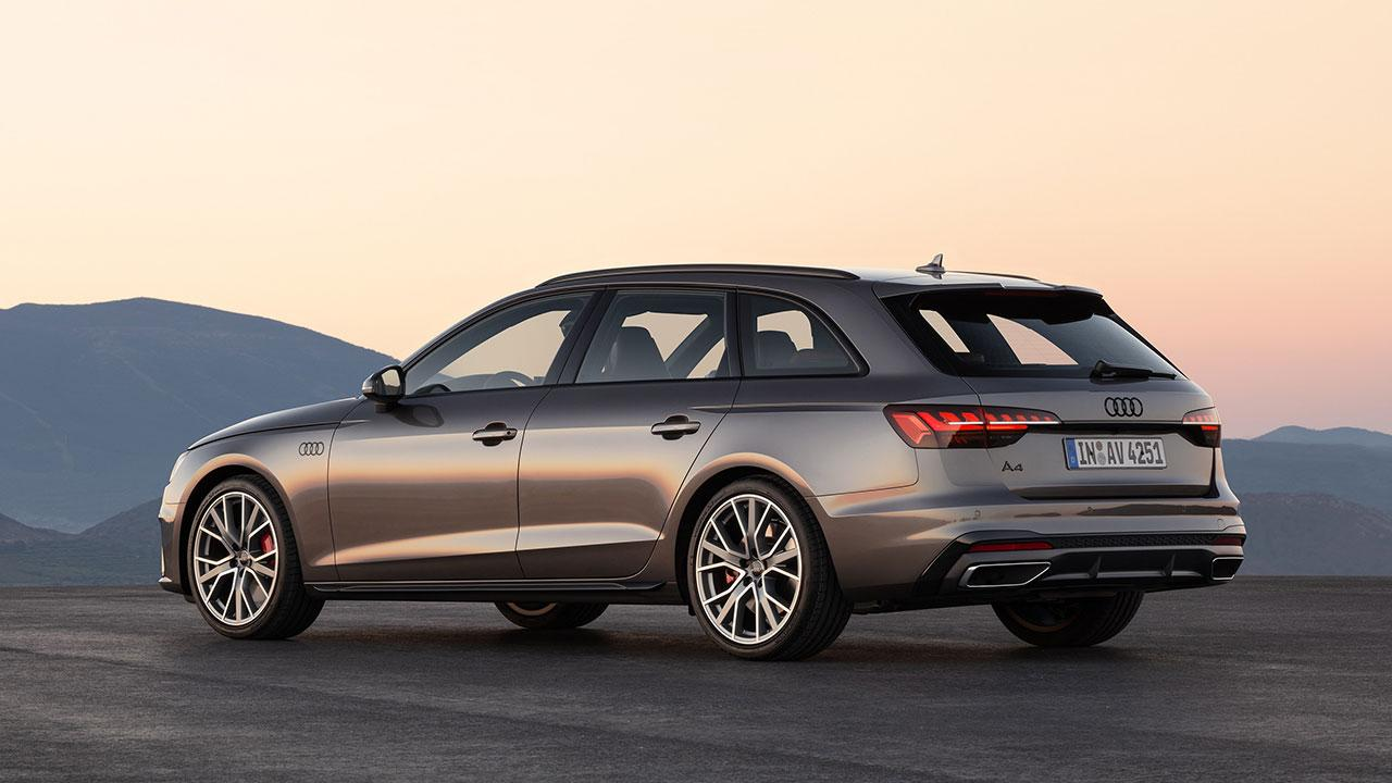 Audi A4 Avant - seitliche Heckansicht