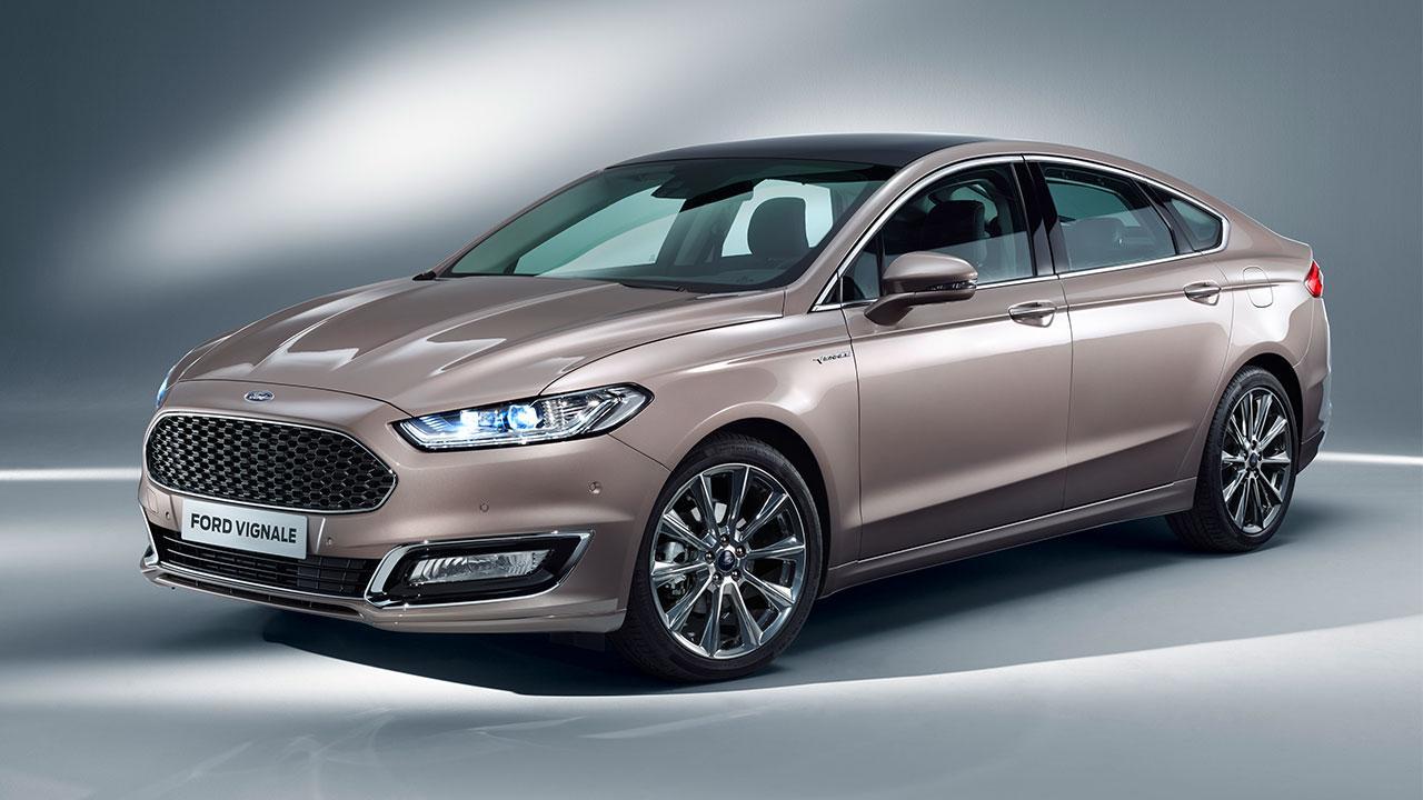 Ford Mondeo Limousine - seitliche Frontansicht