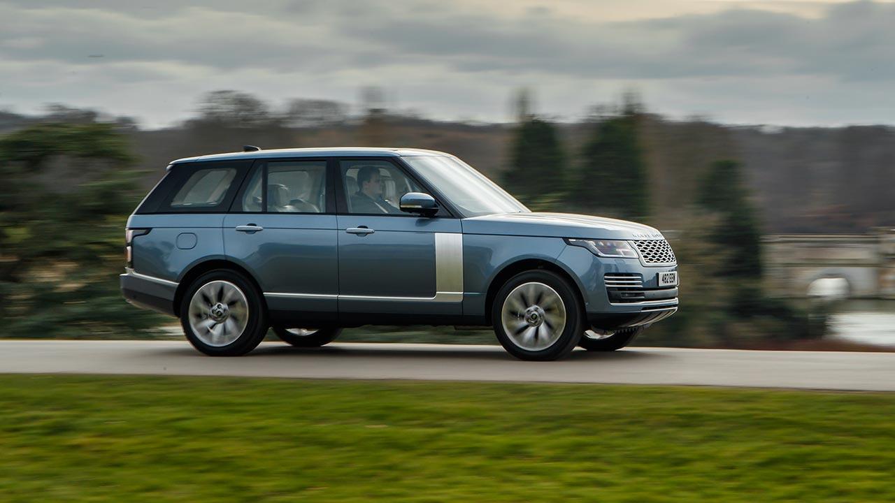 Range Rover - auf der Landstraße