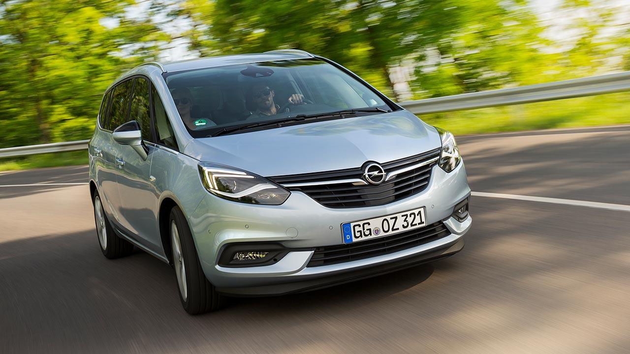 Opel Zafira - in voller Fahrt