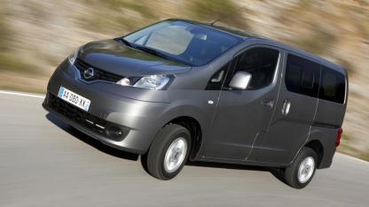 Nissan Evalia - in voller Fahrt