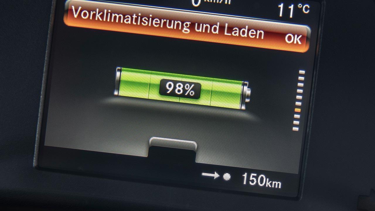 Smart EQ fortwo Cabrio - Ladeanzeige