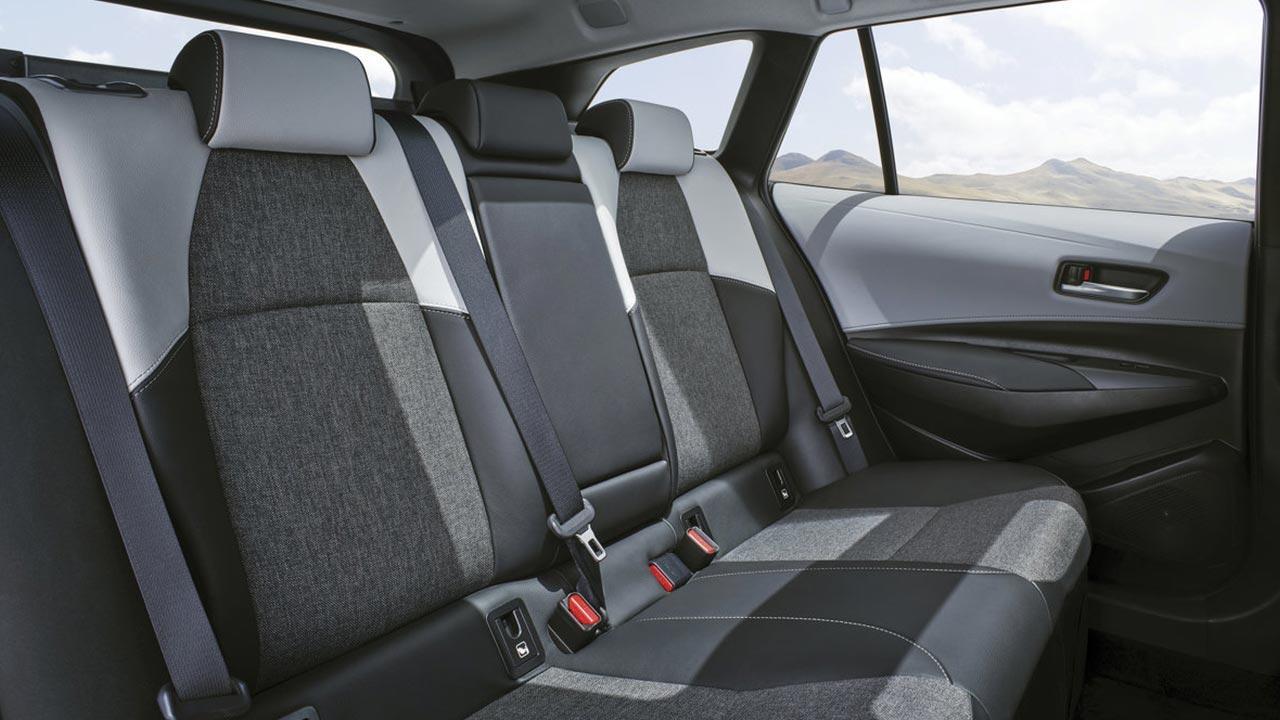 Toyota Corolla 5-Türer - Rücksitze