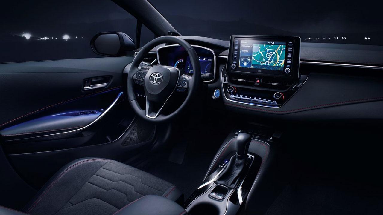 Toyota Corolla Touring Sports - Cockpit