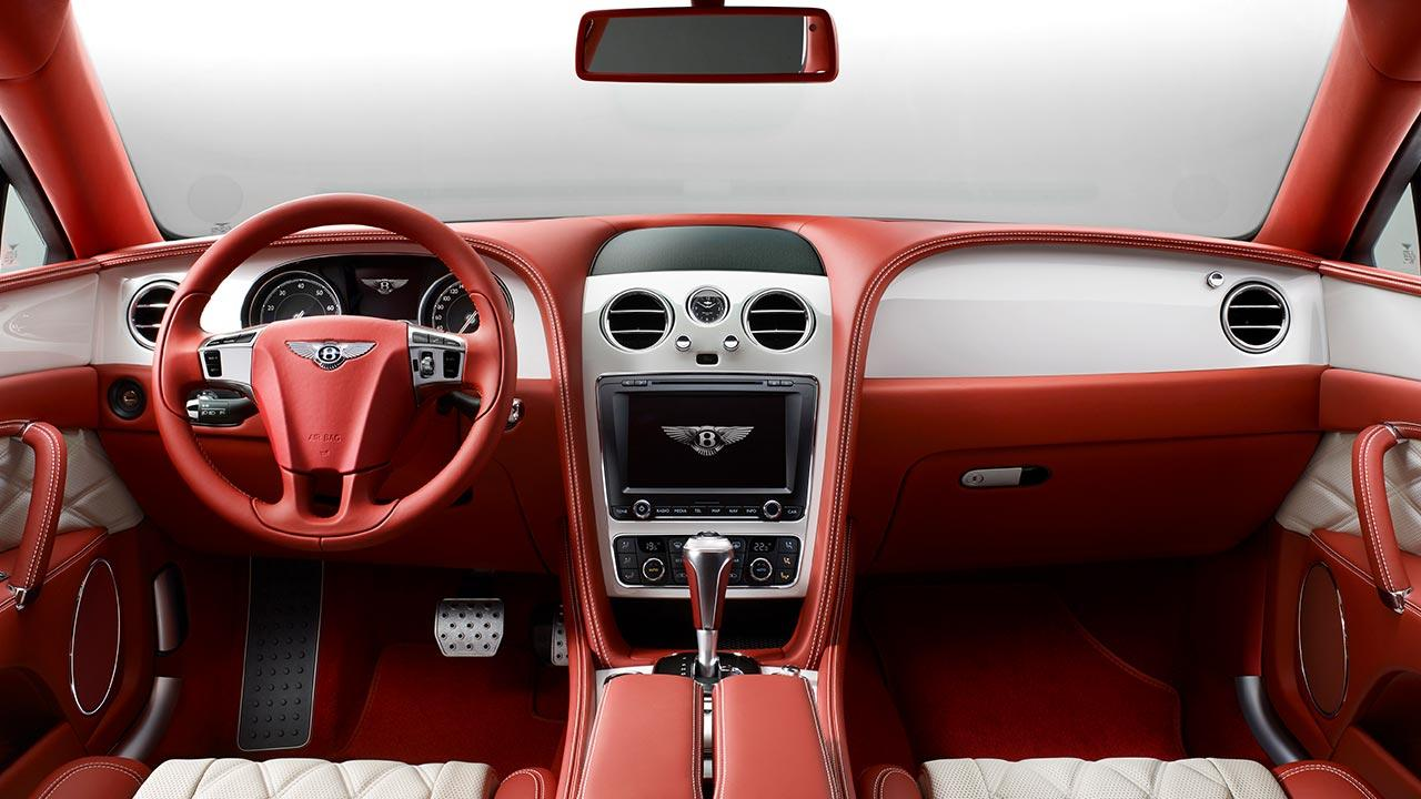 Bentley Flying Spur W12 - Cockpit in rot