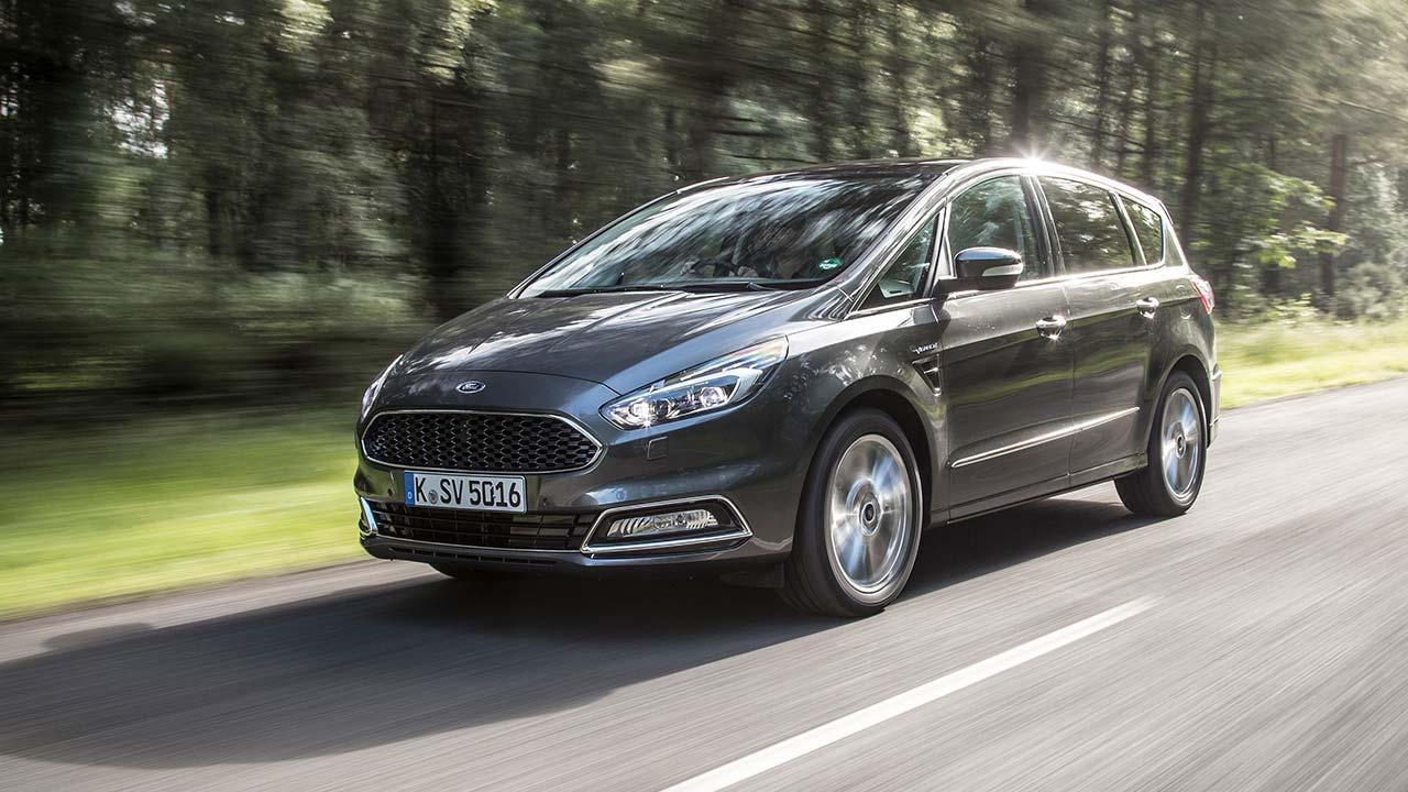Ford S-Max - in voller Fahrt