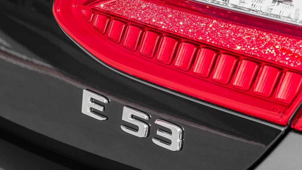 Mercedes-AMG E 53 4MATIC+ Limousine - Schriftzug