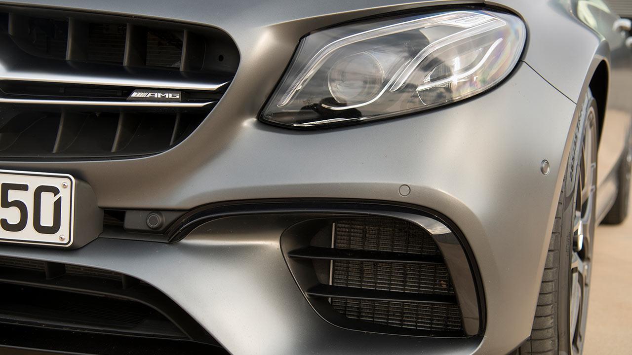 Mercedes-AMG E 63 4MATIC+ Limousine - Kühlergrill