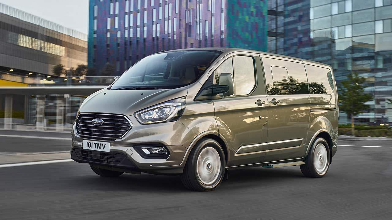 Ford Tourneo Custom - in voller Fahrt