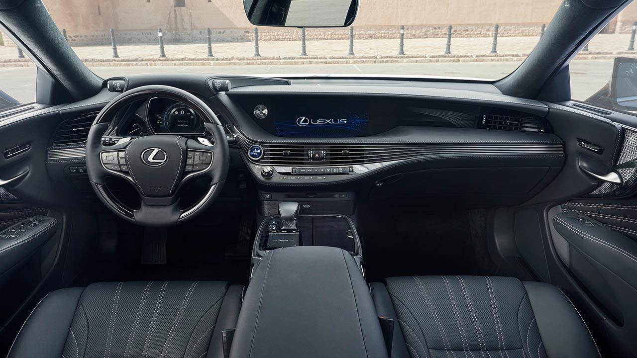 Lexus LS - Cockpit