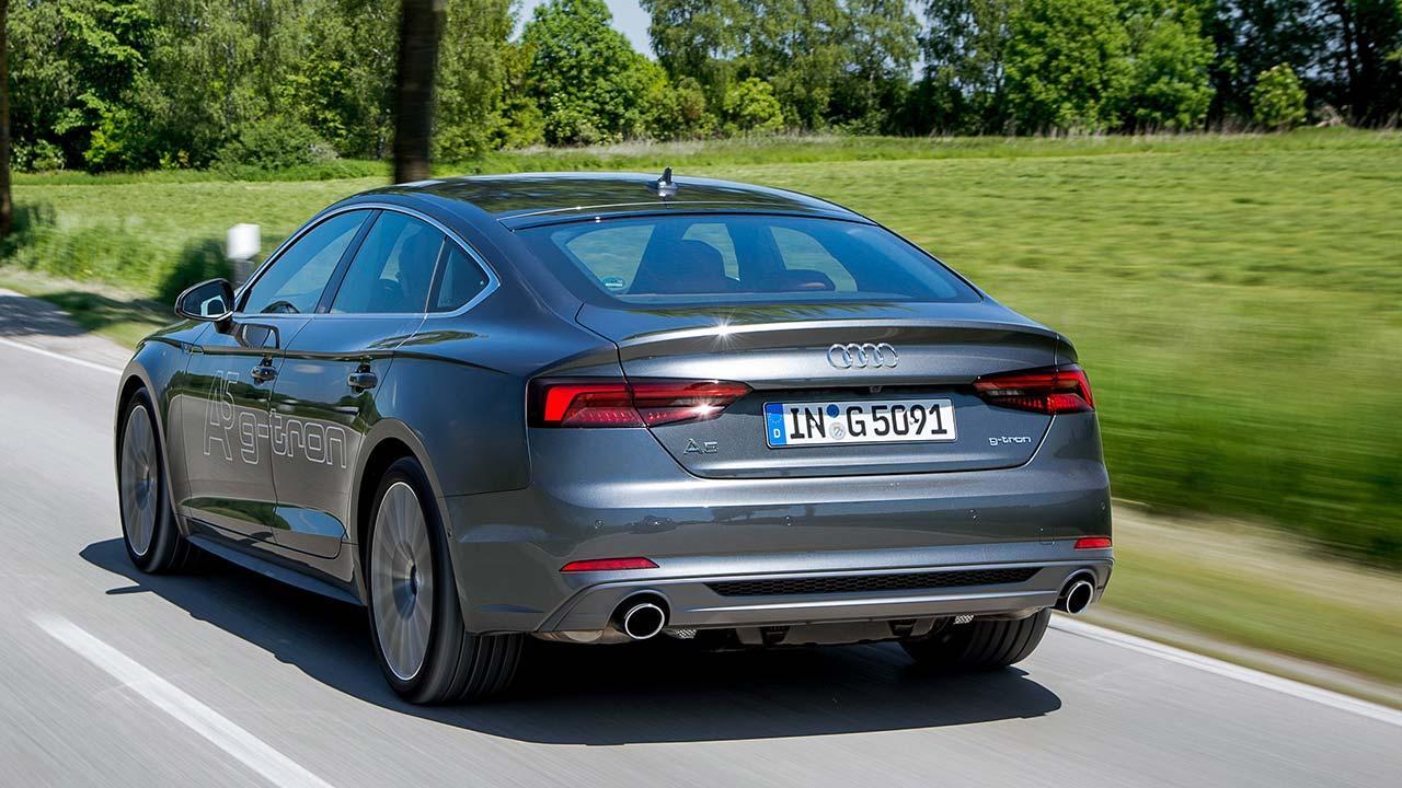 Audi A5 Sportback g-tron - seitliche Heckansicht