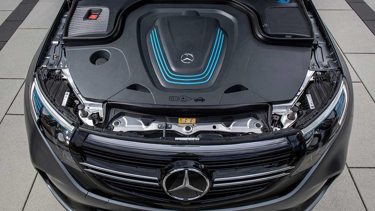 Mercedes-Benz EQC - offene Motorhaube