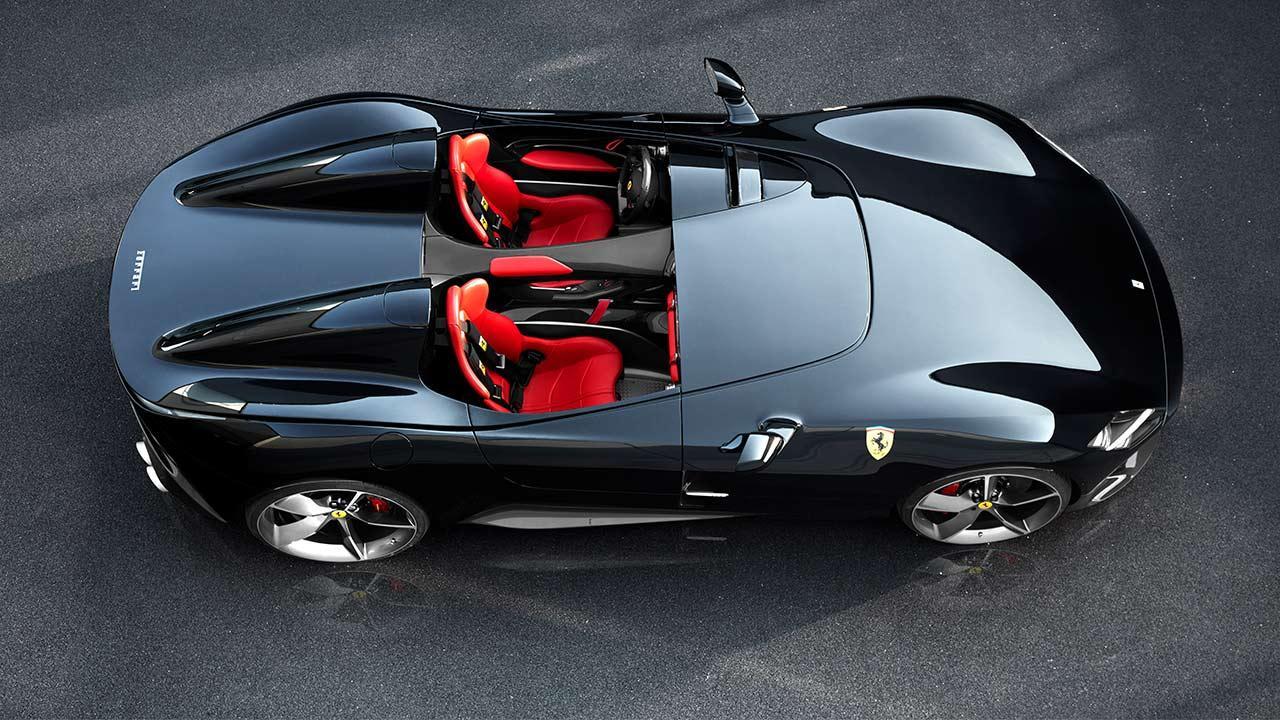 Ferrari Monza SP1 - schwarz mit roten Sitze
